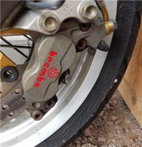 Bremsflüssigkeit wechseln Motorrad